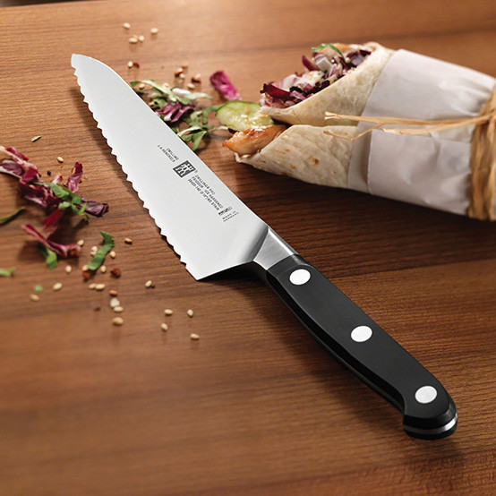 Pro 5.25 Inch Serrated Prep Knife