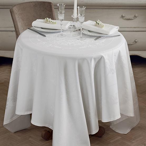 Comtesse Blanc Tablecloth