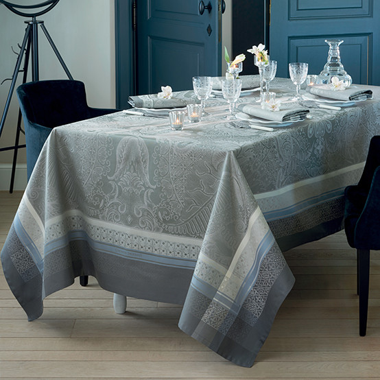 Isaphire Agate Tablecloth
