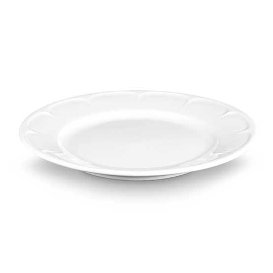 Montmartre Salad Plate with Scallop On Rim