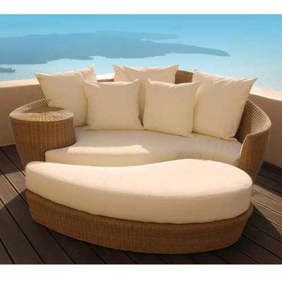 Dune Daybed Straw With Ottoman & Pillows
