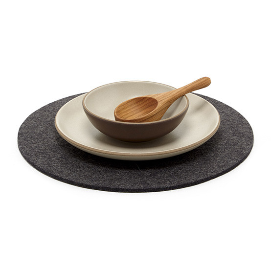 "12"" Round Trivet in Charcoal"