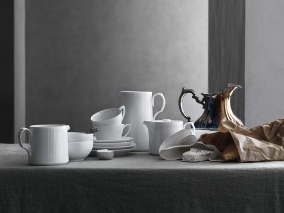 White Fluted Teapot 25 oz