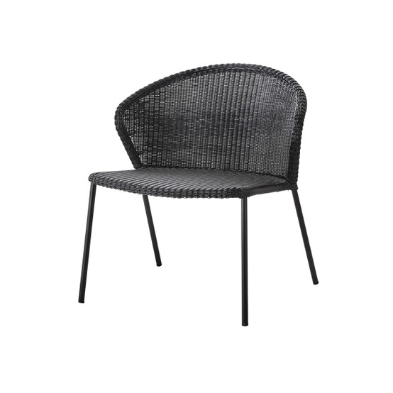 Lean Lounge Chair in Black