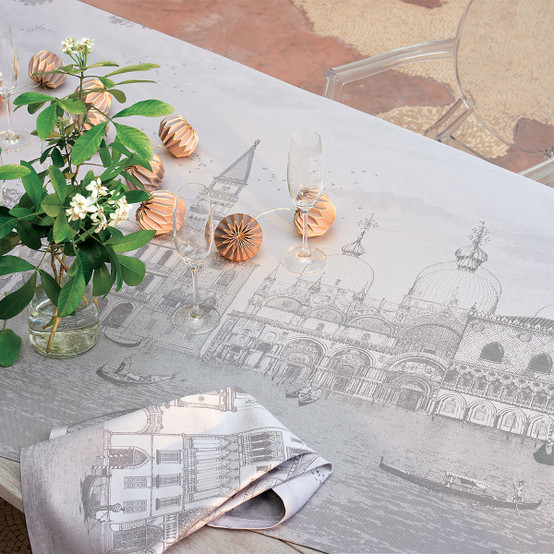 Veneziano Green Sweet Coated Tablecloth in Sfumato