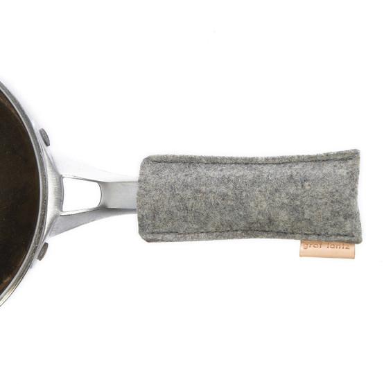 Pan Handle in Granite