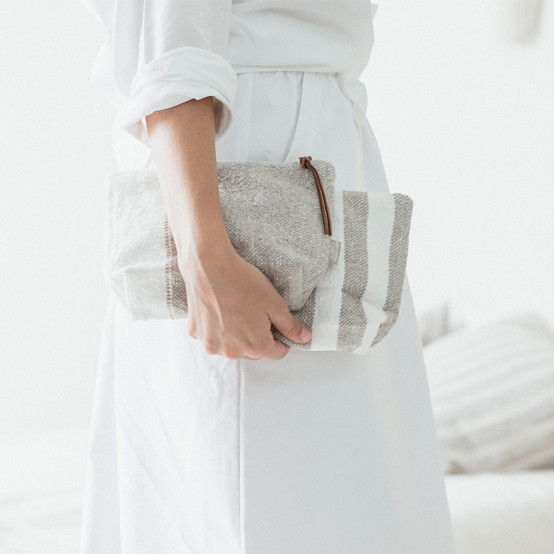 Charlotte Pouch in Oyster Stripe