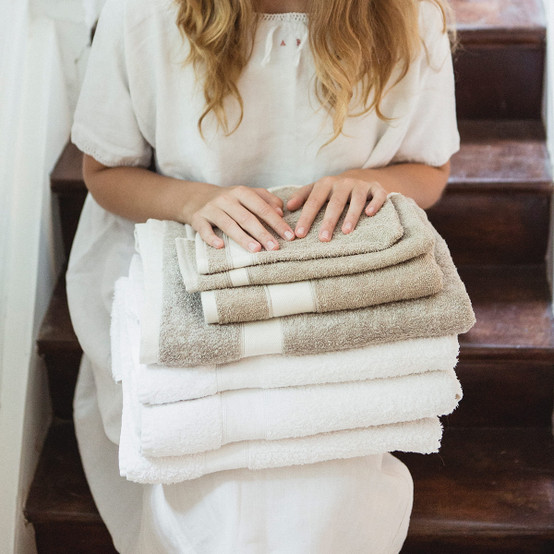 Simi Bath Sheet in Optic White
