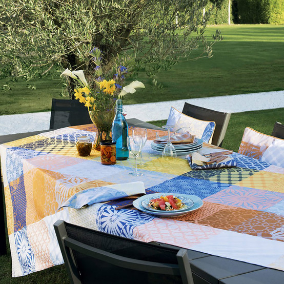 Mille Zelliges Coated Tablecloth in Caliente 59 x 87