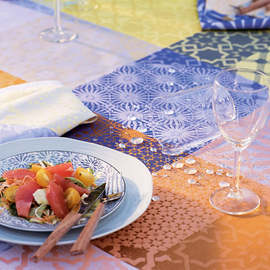Mille Zelliges Caliente Coated Tablecloth 59 x 59