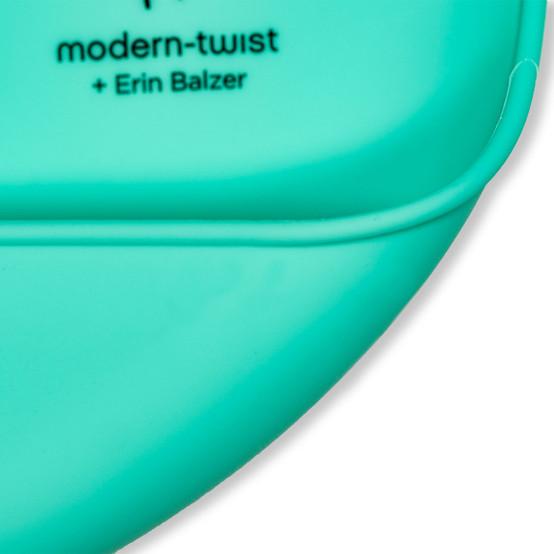 Bucket Bib : Bear Family in Mint