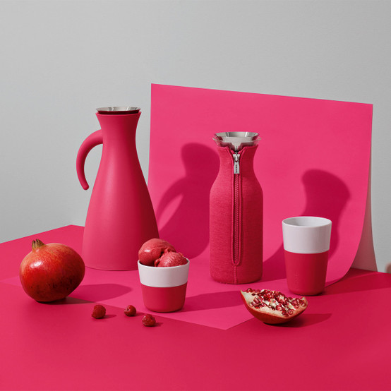 Fridge Carafe with cover in Woven Berry Red
