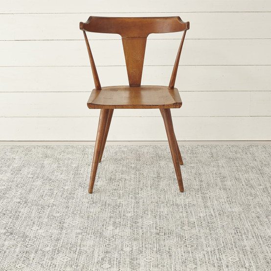 Mosaic Floor Mat in White/Black