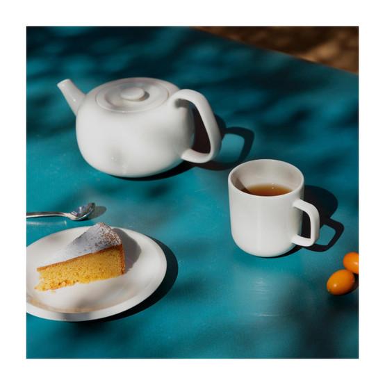 Raami Tea Pot in White