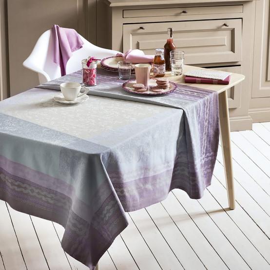 Jardin Des Roses Tablecloth in Parme
