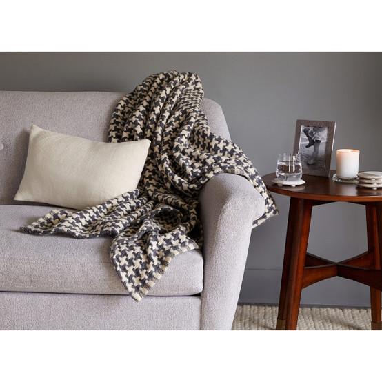 Rockport Houndstooth Cotton/Alpaca Dayblanket - Garnet