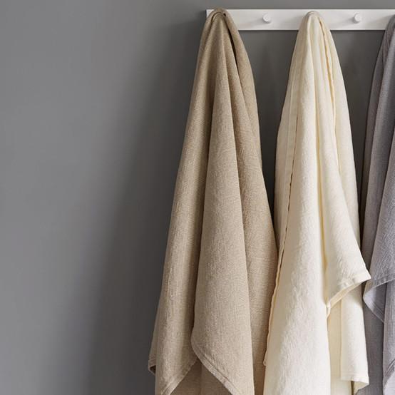 Calendar Island Linen Towels