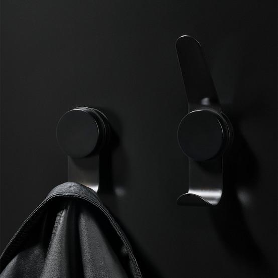 Puck Hook Double in Black