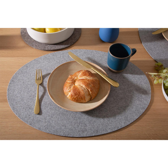 Oval Placemat in Granite Felt