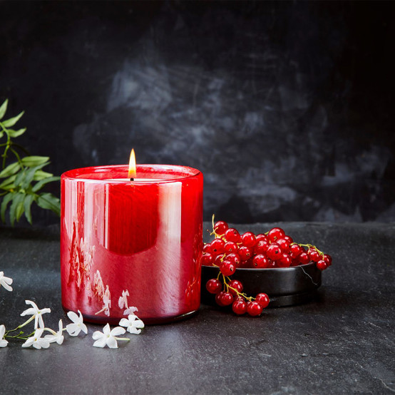 15.5 Oz Winter Currant Signature Candle