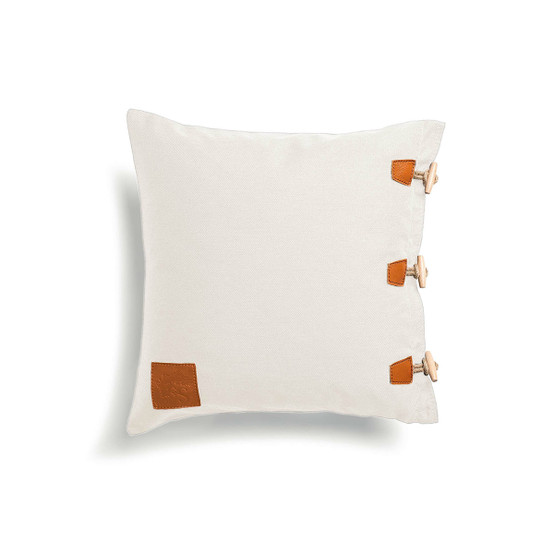 Hemse Pillow in White