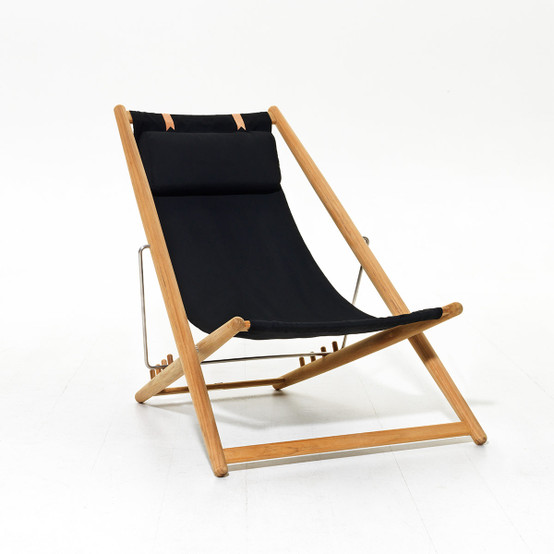 H55 Lounge Chair with Solid Black Fabric