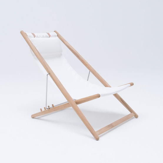 H55 Lounge Chair with White Fabric