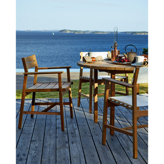 Djurö Round Dining Table