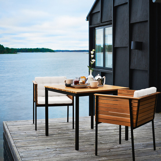 Häringe Small Table with Black Stainless Steel Frame