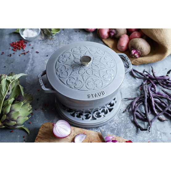 Essential French Oven Lilly Lid 3.75 Quart