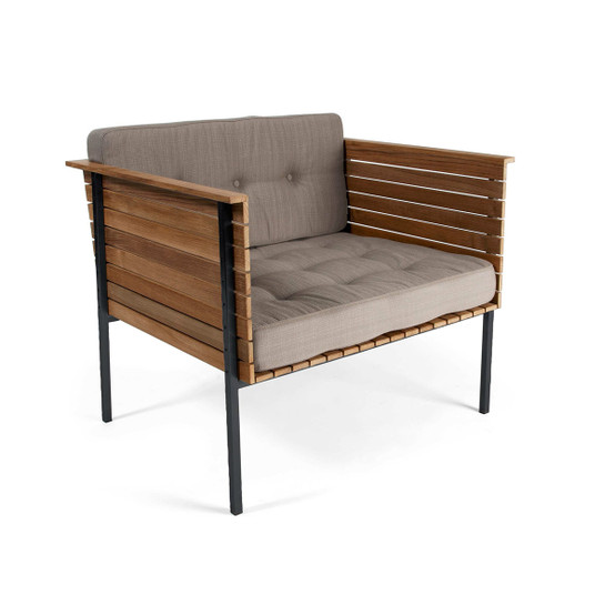Häringe Lounge Chair with Black Stainless Steel Frame