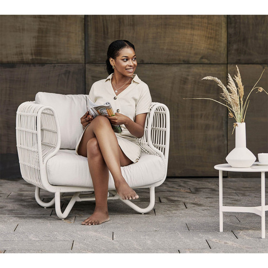 Nest Outdoor Lounge Chair with White Weave