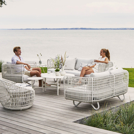 Nest Outdoor Round Chair with White Weave