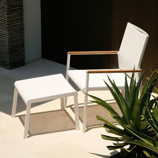Aura Aluminum Deep Seating Armchair