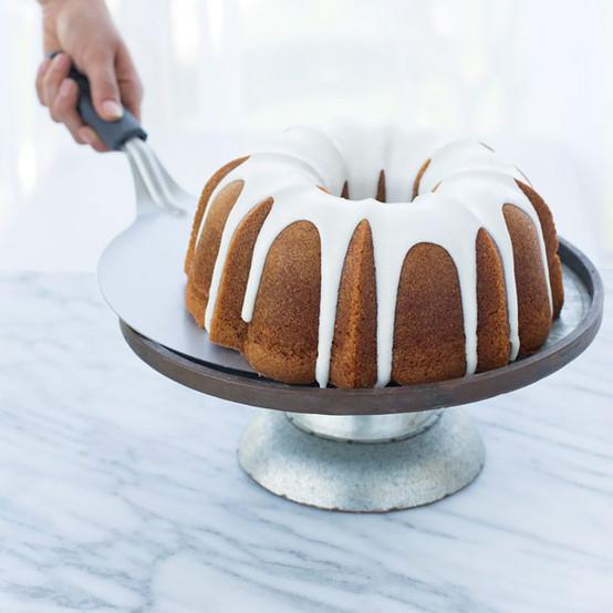 Nonstick Cake Lifter