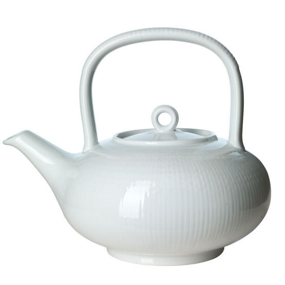 Swedish Grace Tea Pot in Snow