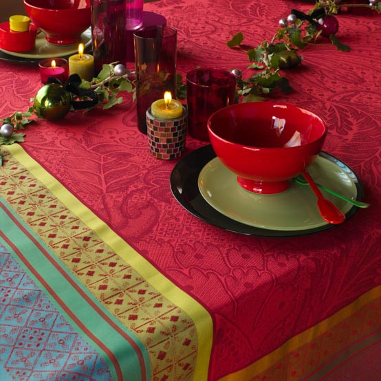 Isaphire Rubis Tablecloth