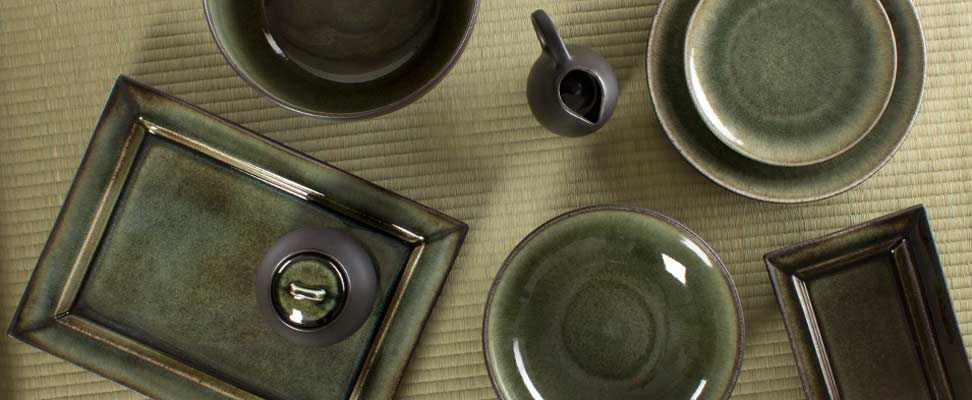 Jars Ceramics Tourron dinnerware in New Samoa Color